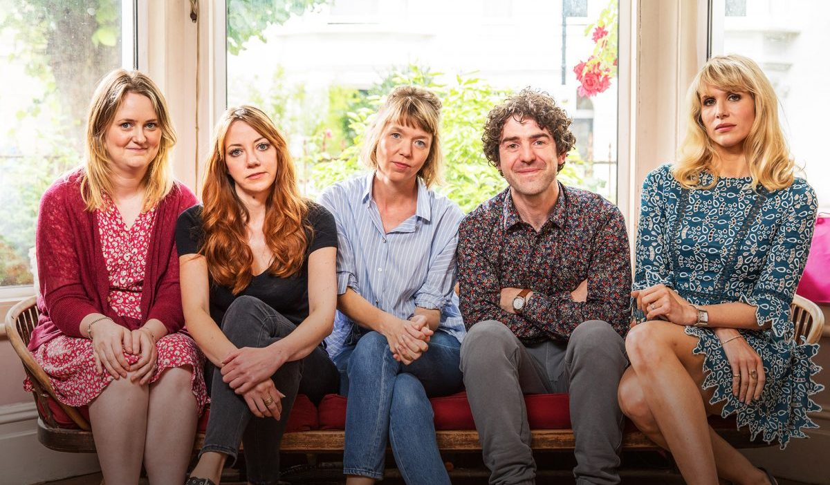Motherland serie cosmo donde ver